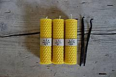 - darčekové balenie stredných sviečok z včelieho vosku- VANILKA - 10712336_