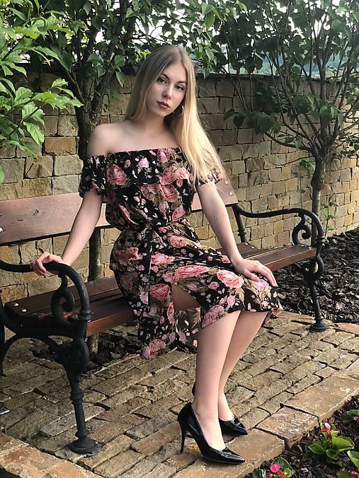 Šaty - Čierne šaty s ružami - 10711944_