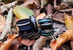 Prstene - Drevený prsteň EBEN & Malachite - 10715501_