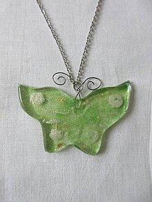 Náhrdelníky - Prívesok motýlik - 10715444_