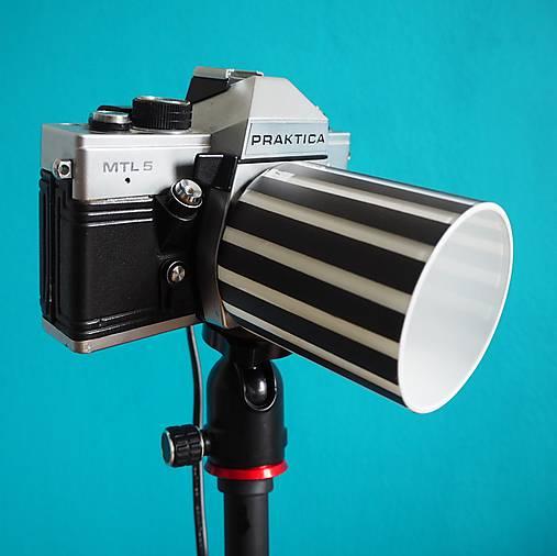 Lampa z foťáku
