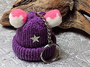 Kľúčenky - kľúčenka...  fialová čiapočka s hviezdičkami - 10715347_