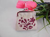 Ručne vyšívaná peňaženka - mincovka