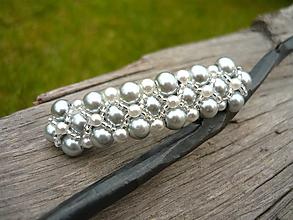 Ozdoby do vlasov - Svadobná spona perličková strieborná - 10719928_