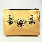 Taštičky - Taštička vyšívaná zlatá včielky - 10718725_