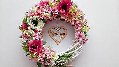 Dekorácie - Romanticky veniec so srdcom - 10718887_