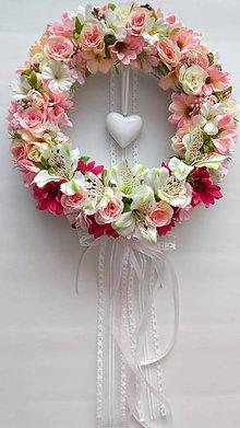 Dekorácie - Svadobny veniec so srdcom - 10718900_