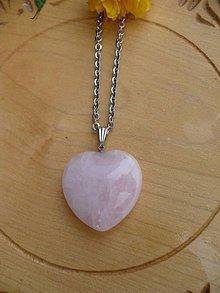 Náhrdelníky - náhrdelník s veľkým srdcom z Ruženínu-oceľ - 10719787_