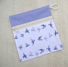 Iné doplnky - Nepremokavé vrecúško mini na zips (fialková + vtáčiky na bielej) - 10723215_
