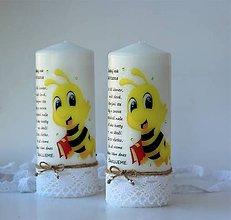 Svietidlá a sviečky - Dekoračná sviečka pre pani učiteľky v škôlke - Včielková trieda - 10722125_