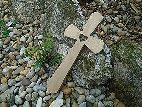 Dekorácie - Krížik so srdiečkom 20 veľký - 10720903_