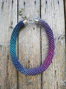 Náhrdelníky - Háčkovaný náhrdelník - špirálový (Tyrkysová) - 10722052_
