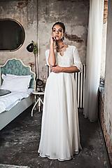 Šaty - Svadobné šaty z francúszkej krajky lemované portou v ľudovom štýle - 10721365_