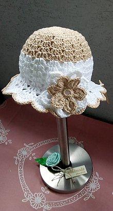 Čiapky - Háčkovaný klobúčik pre princezničku - 10721922_