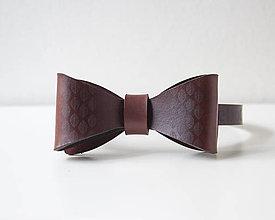Doplnky - Kožený motýlik - mahagón - 10722710_