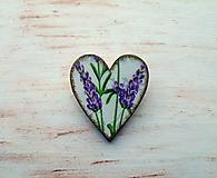 brošňa levanduľková