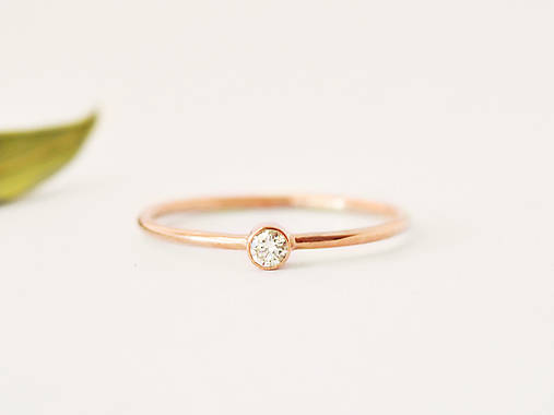 Prstene - 585/1000 zlatý zásnubný prsteň s prírodným diamantom 2,6mm (rúžové zlato) - 10725966_