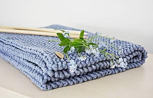 Úžitkový textil - Pletený koberček/predložka - džínsová - 10725342_