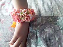 Náramky - Kvetinový náramok - 10725284_
