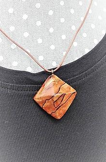 Náhrdelníky - Diamant z jabloňového koreňa - 10723584_