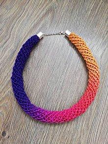 Náhrdelníky - Háčkovaný náhrdelník - špirálový (Fialová) - 10724540_