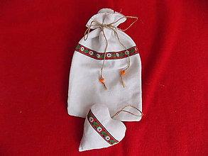 Dekorácie - Folklórne vrecko so srdiečkom - 10723640_