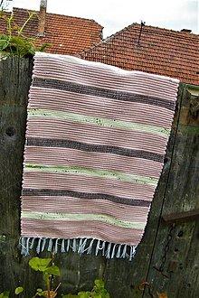 Úžitkový textil - Tkaný koberec hnedý s úzkymi pásikmi - 10724282_