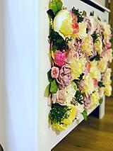 Dekorácie - Kryt na radiátor zdobený kvetmi - 10727094_