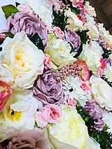 Dekorácie - Kryt na radiátor zdobený kvetmi - 10727095_