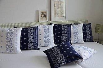 Úžitkový textil - Vankúše s moderným modrotlačovým motívom  - 10728430_