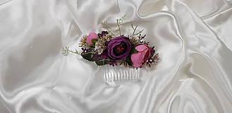 Ozdoby do vlasov - Nežný fialový kvetinový hrebienok do vlasov - 10729531_