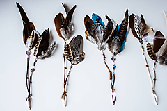 Ozdoby do vlasov - Bohémska čierna sponka s perím - 10727114_