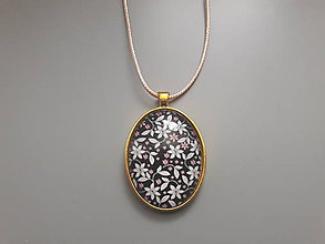 Náhrdelníky - Prívesok s veľkým kabošonom v zlatom lôžku (Romantická) - 10729427_
