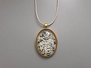 Náhrdelníky - Prívesok s veľkým kabošonom v zlatom lôžku (Steampunk) - 10729432_