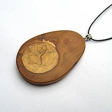 Náhrdelníky - Drevený prívesok - z jabloňovej halúzky - 10729839_
