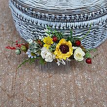 Ozdoby do vlasov - Hrebienok malý so slnečnicou a bielymi ružičkami - 10731403_