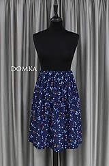 Sukne - Letná kvetovaná tmavomodrá sukňa - 10733927_