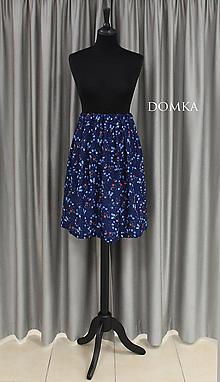 Sukne - Letná kvetovaná tmavomodrá sukňa - 10733917_