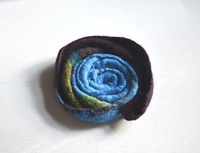 Odznaky/Brošne - Brošňa Kvet modrohnedá... - 10731835_