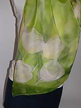 Šály - Hodvábny šál zelený s tulipánmi - 10733717_