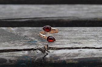 Prstene - Granát duo pozlátený Ag prsteň - 10733445_