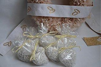 Darčeky pre svadobčanov - Svadobné srdiečka - darček pre hostí (s celofánom) - 10734725_