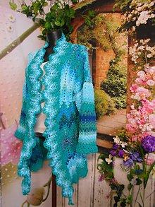 Svetre/Pulóvre - Háčkovaný sveter vo farbách mora ... - 10734129_