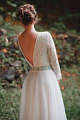 Šaty - Krajkové s bodkovaným tylom - 10735712_