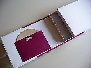 Papiernictvo - dosky na foto a CD/DVD, bodkované - 10735863_