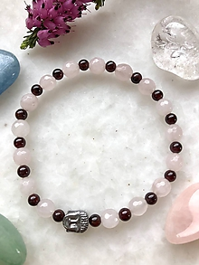 Náramky - Dámsky náramok z minerálov brusený ruženín a granát doplnený budhom z hematitu v striebornej farbe - 10735289_