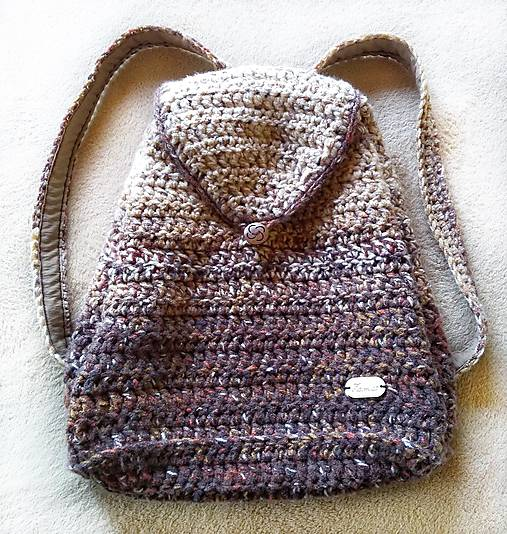 Ruksak - batoh v zemitých, prírodných farbách