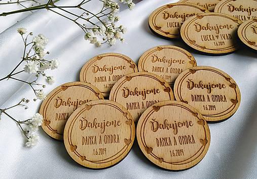 Magnetka pre svadobných hostí . Love
