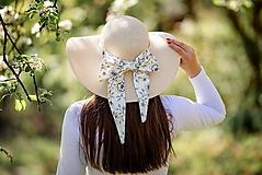 - Dámsky letný klobúk slamený jemne krémový s odopínateľnou mašlou - 10734426_