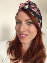 Čiapky - Turbanová čiapka- kvetovaná čierna - 10734150_